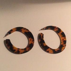 Jewelry - Chic Tortoise Shell Hoop Earrings